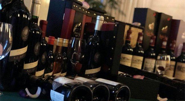开红酒连锁店赚钱吗