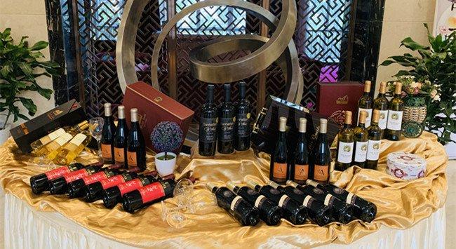 进口<a href='http://www.yosoho.cn/a/xianhuazixun/' target='_blank'><u>红酒品牌</u></a>有哪些值得加盟