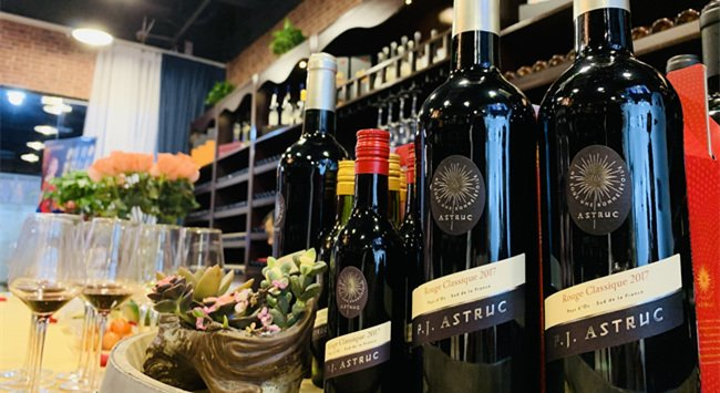 在国内做红酒代理生意能赚到钱吗